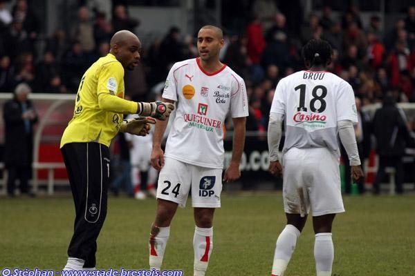 Elana, Kantari, Brou Apanga lors du derby à Guingamp