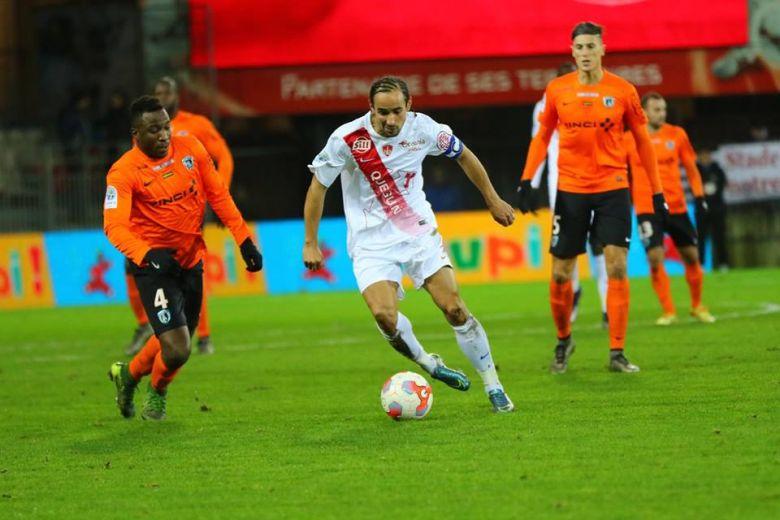 Grougi contre le Paris FC
