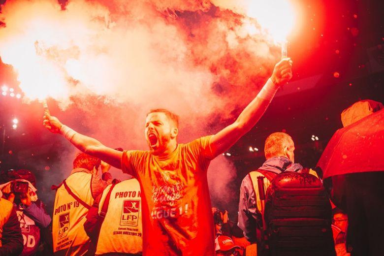 Gautier Larsonneur fête la montée en Ligue 1